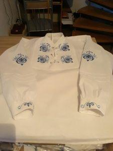 Košeľa vyšívaná