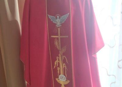 Ornát červený Duch Svätý
